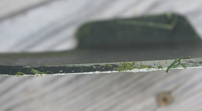 Detailaufnahme Rasenmäher-Messer